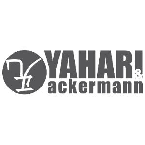 Yahari Ackermann Profesional